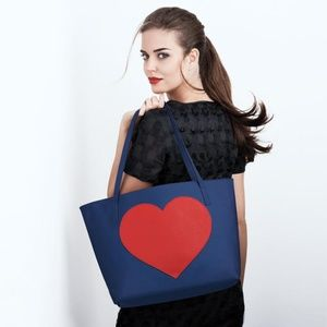 Free with $50 makeup buy!! Avon Hearts Aglow Tote